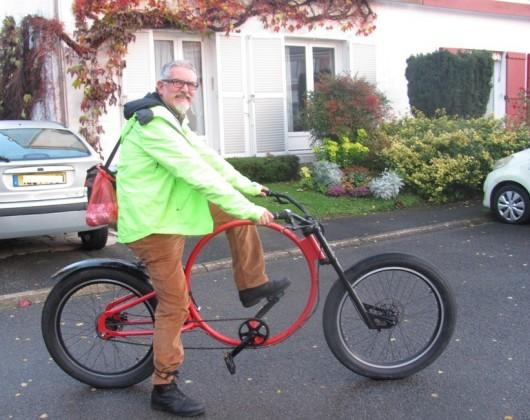 un vélo rond pour cruiser, mais aussi 2 vélos typés route (un randonneur et un route), un VTT et un vélopain (single speed à frein par rétropédalage)